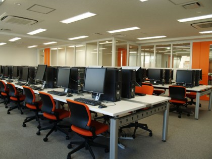デジタルハリウッド大学 オフィスデザイン
