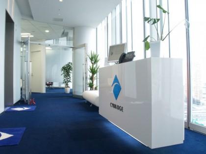 青山の新築ビルAoに光あふれるオフィス
